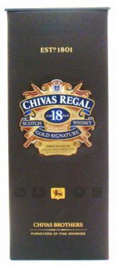 Chivas Regal Aged 18 Years Scotch Whisky Gold Signature - 750 ml (40% alc / vol)